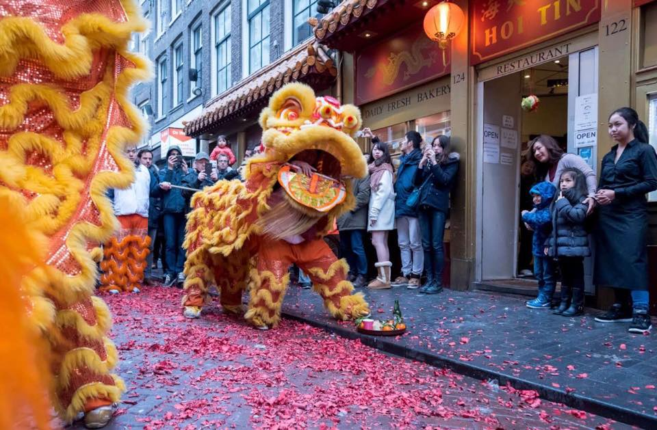 Hoi-Tin-Restaurant-painting-pictures-of-dragon-amsterdam